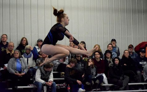 OHS Gymnasts beaming