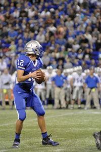 Senior Captain Ian Langeberg looking down the field for a pass.