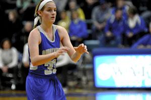 Senior Katlin Ptacek looks for a pass