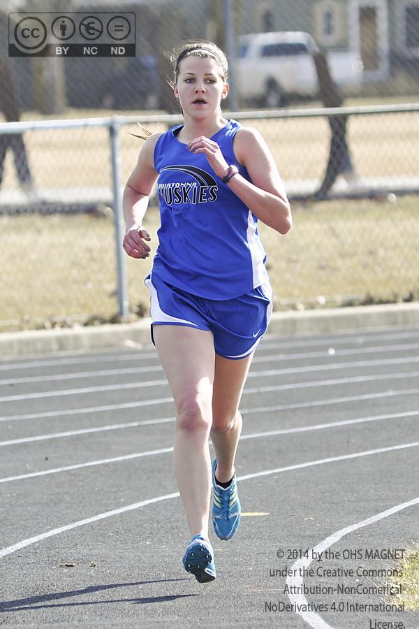 Haylee VanEngelenhoven runs the 1600 meter run