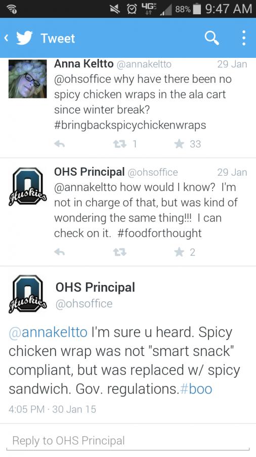 Junior Anna Keltto and @ohsoffice tweeting about spicy chicken wraps