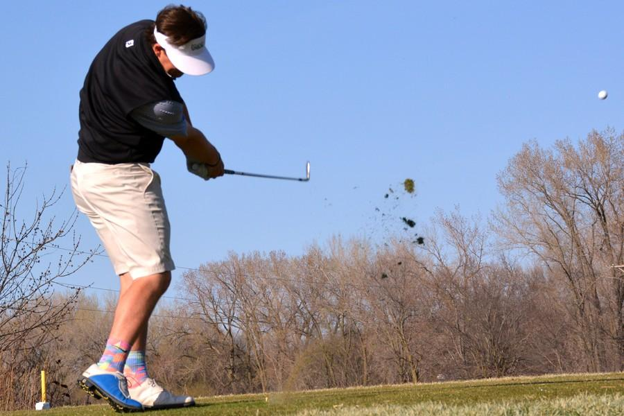 Jones and  Peglow head to State Golf