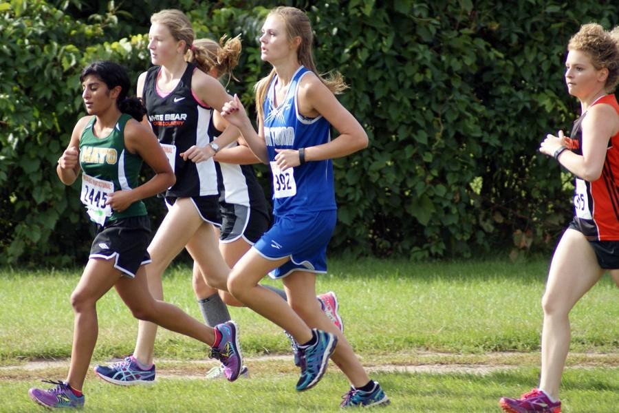 Senior Gabi Zeman starts the second loop of her race