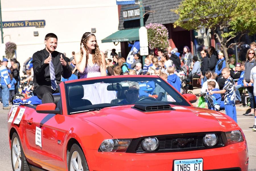 MS 10-2 parade 453