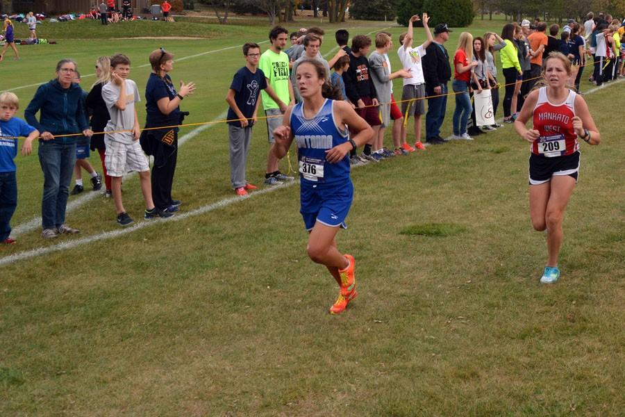 Sophomore Rilee Schmidt running
