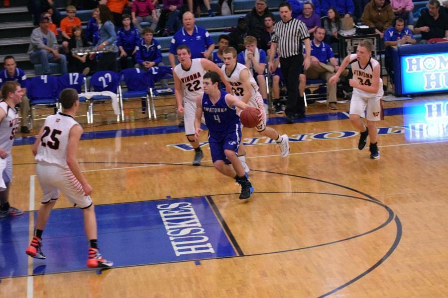 Sophomore Alex Raichle driving the lane