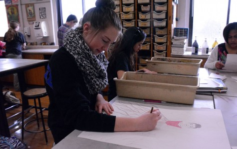 Olivia Ahlberg working on