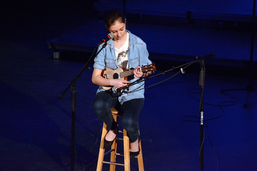Sophomore Danielle Erola singing Stitches by Shawn Mendes and playing her ukulele