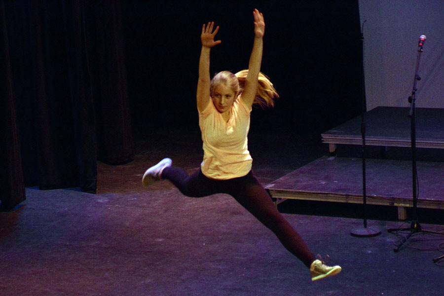 Freshman Emma Zinsli doing a dance routine