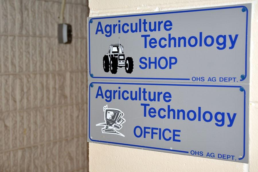 Agriculture+building%27s+shop+sign+