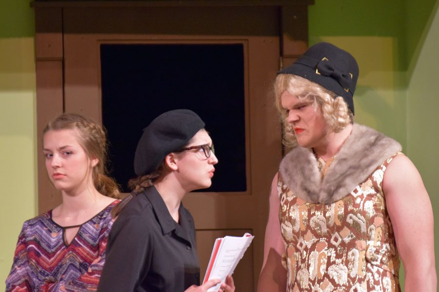 Obo (Margaret Schlicker), the play-write yelling at Estrella (Thomas Boisen)
