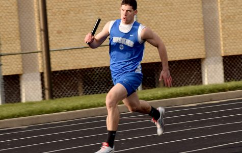 Senior Ryan Guenther running in the relay