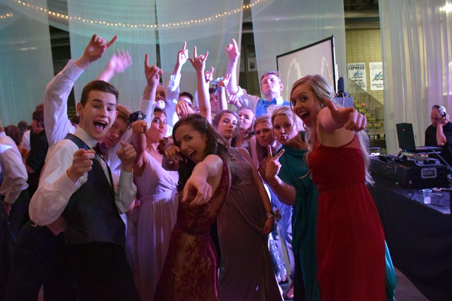Juniors and Seniors having a great time at prom