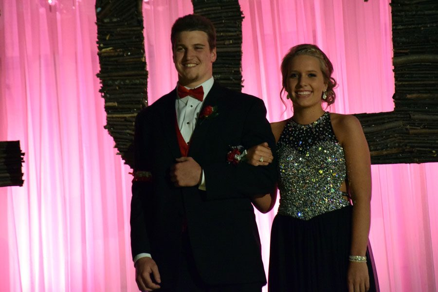 Seniors Lane Thiesse and Kiley Boomgarden during grand march