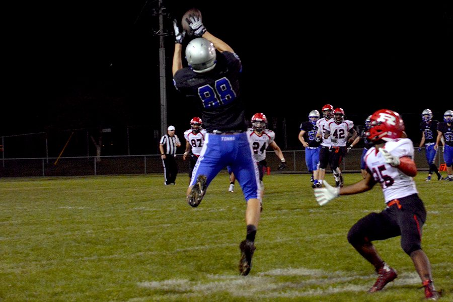 Junior Dalton Kubista making the catch