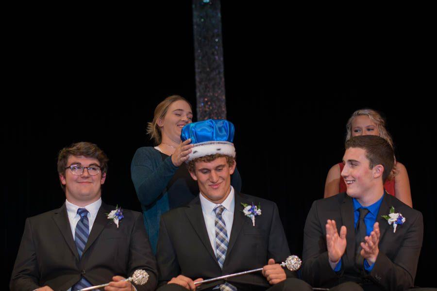King+Ethan+DeKam+getting+Crowned+by+Katie+Segler