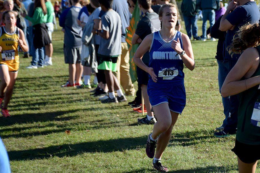 Junior Payton Wunderlich running in the meet