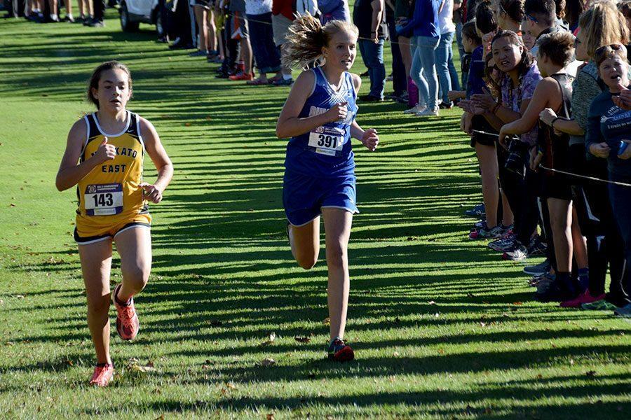 Freshman Liv Larson finishing the race