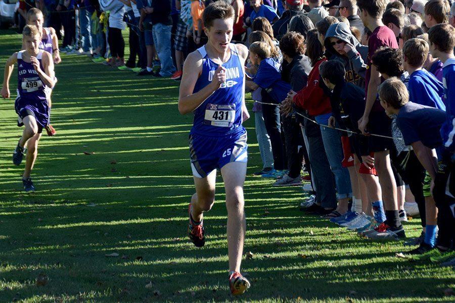 Junior Bryce Knutson finishing the race
