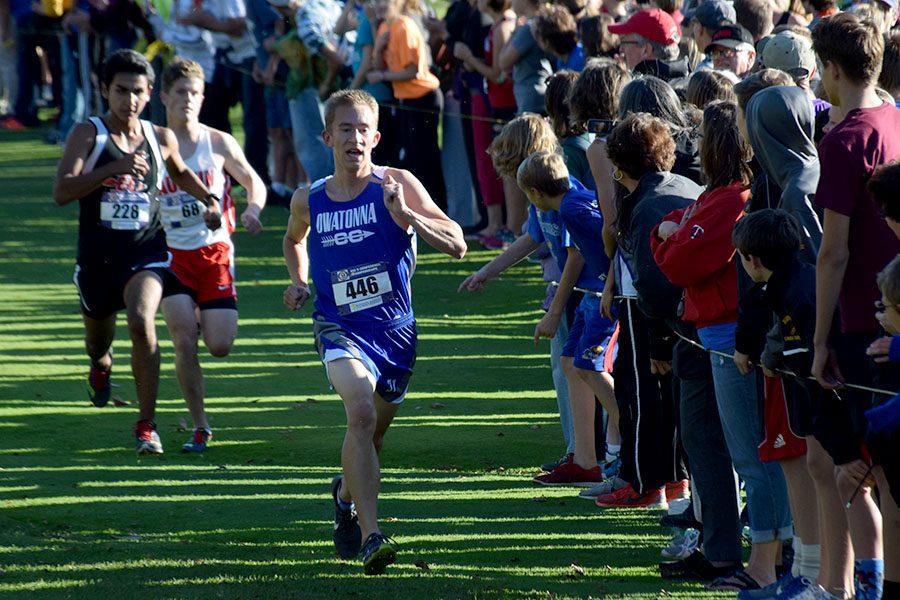 Junior Evan Steiger finishing the race