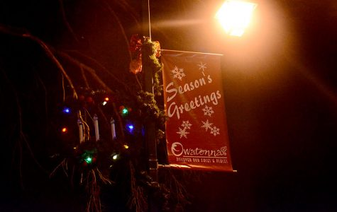 Season's Greeting sign in Central Park