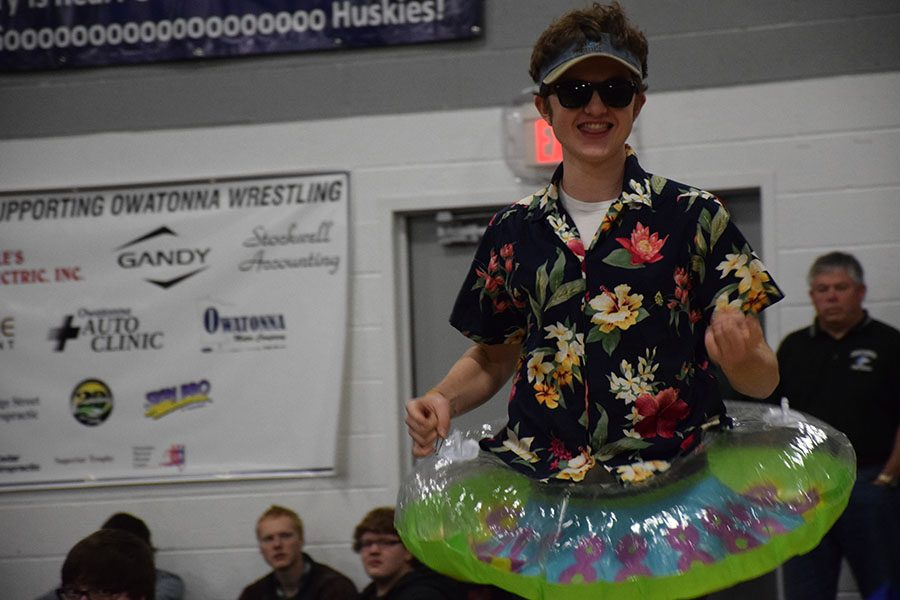 Matthew Bueltel gets students excited for lake day