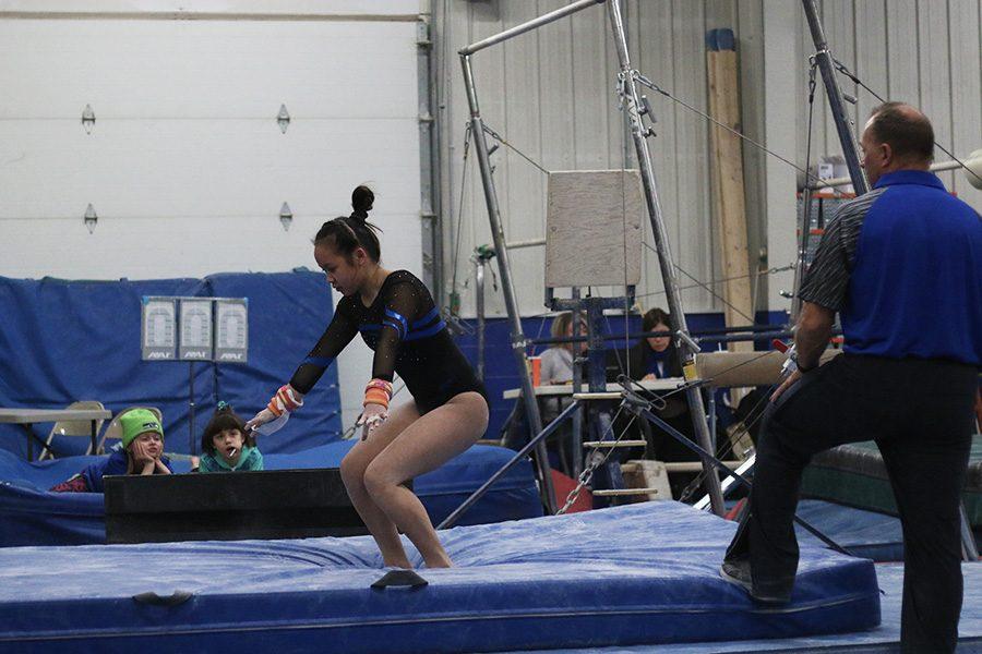 Allison An sticking her landing