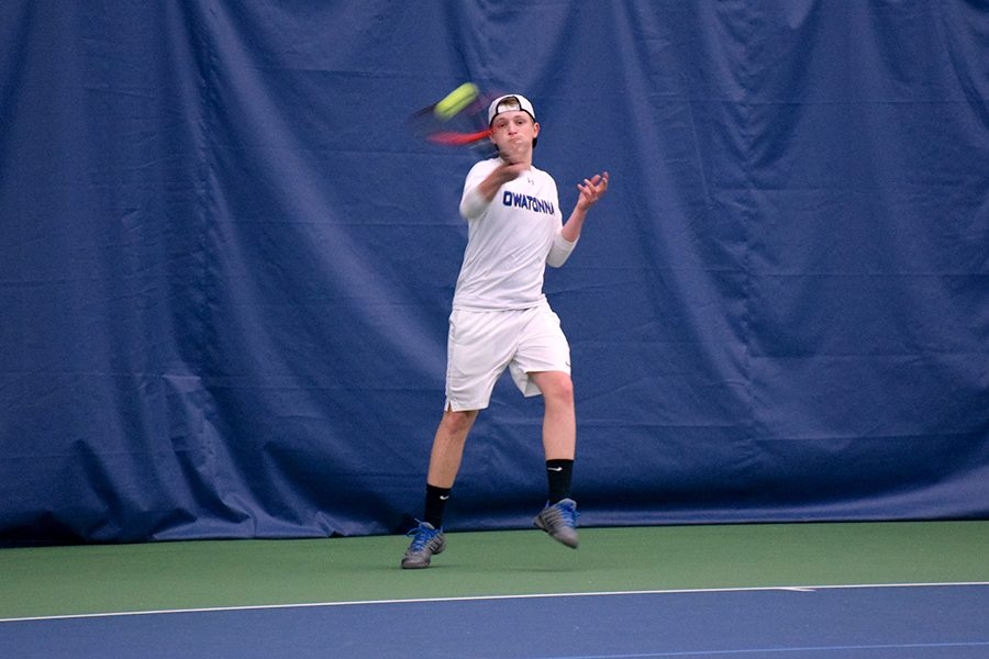 Sophomore+Cody+Bussert+hits+a+forehand