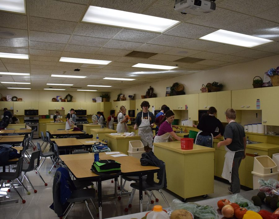 Culinary Club prepares to make the meal