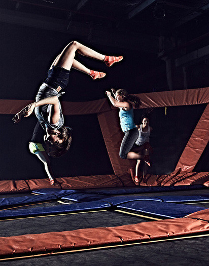Group of friends show off their skills Source: https://www.skyzone.com/stpaul