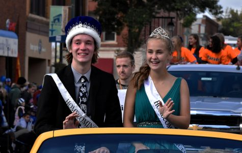 2018 Homecoming King Nathan Buegler and Queen Molly Hawkins