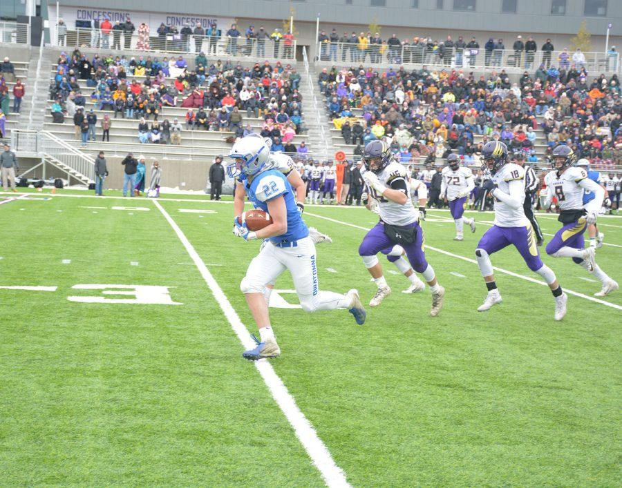 Jason Williamson runs for a touchdown
