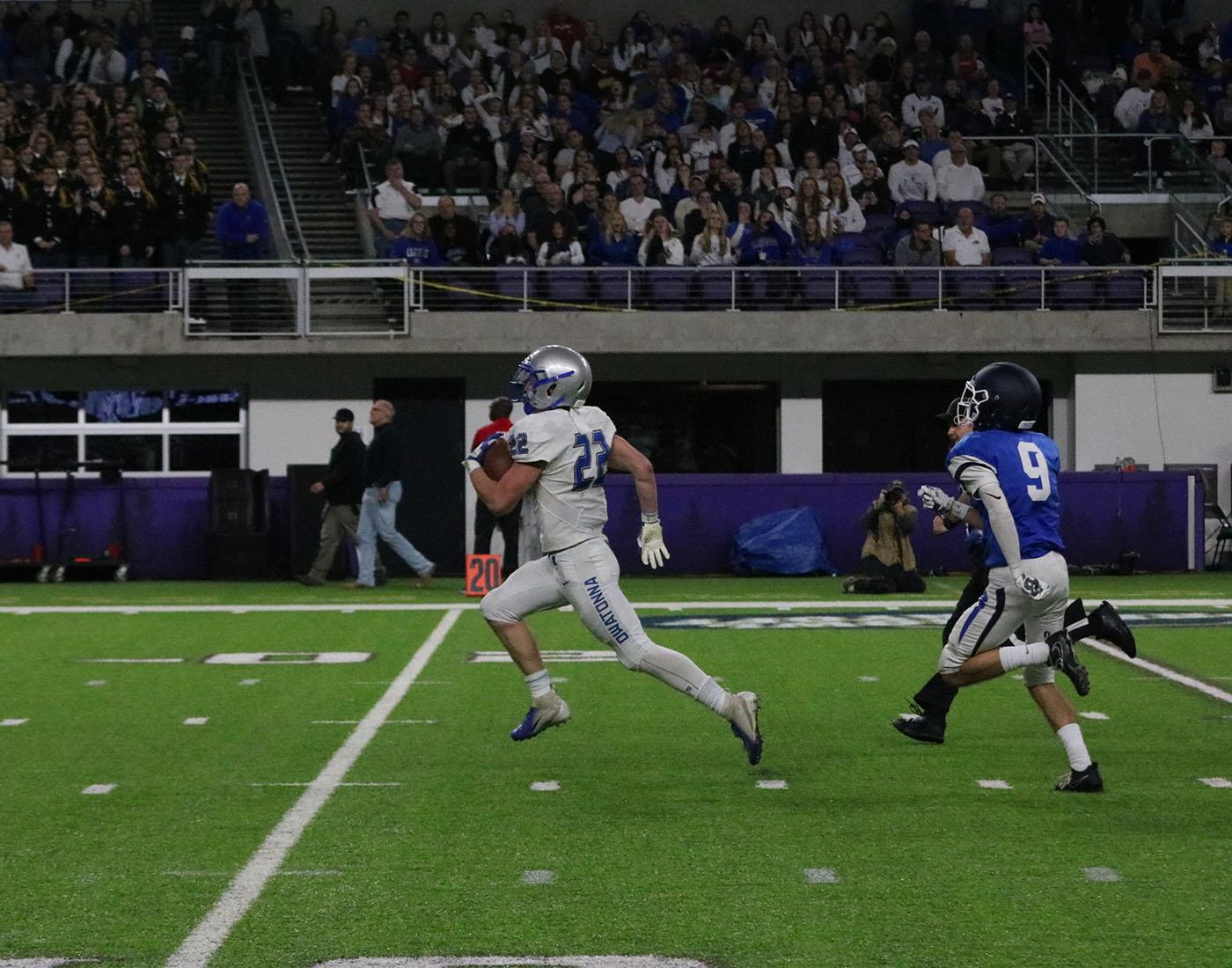 Jason+Williamson+breaks+away+for+a+touchdown