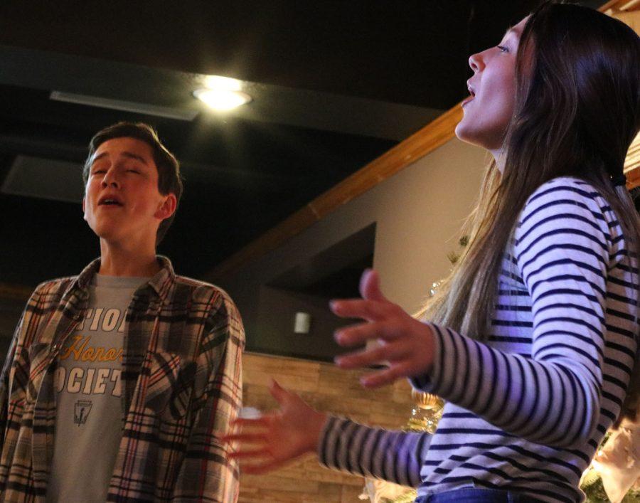 Gabriel+Rysavy+and+Lydia+Rieck+sing+a+duet+at+the+Art+Splash