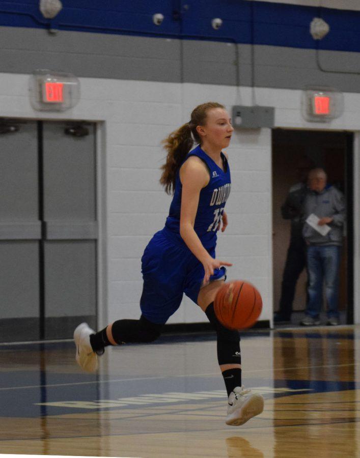 Arianna Shornock dribbles the ball