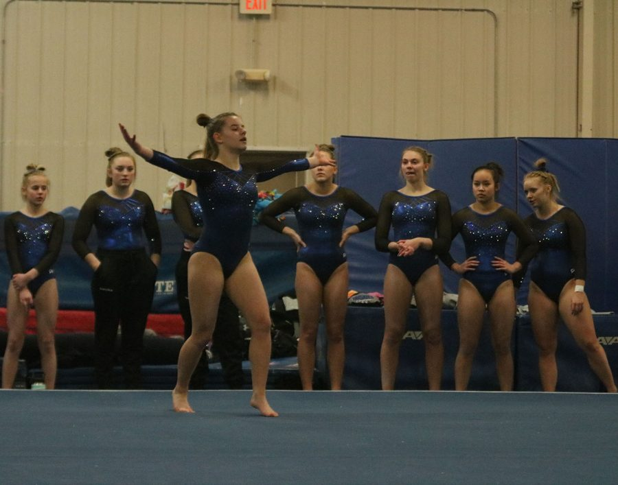 Lucy Macius performs her floor routine
