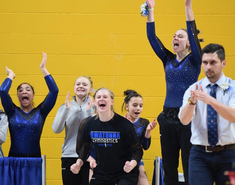 The team cheering on Cheyenne Petersen