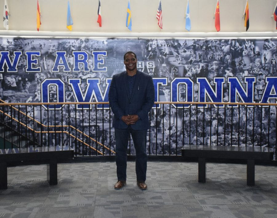Motivational diversity speaker Mr. Bukada Hayes speaks to Owatonna High School students on Tuesday, March 12.