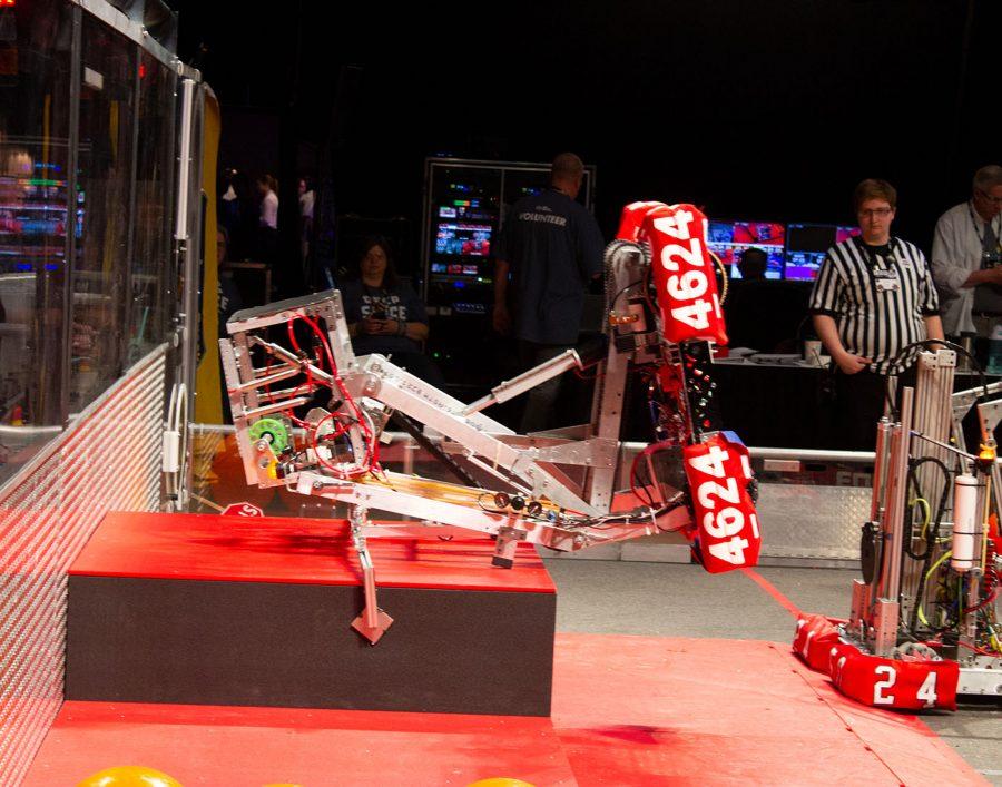 The robots final climbing position