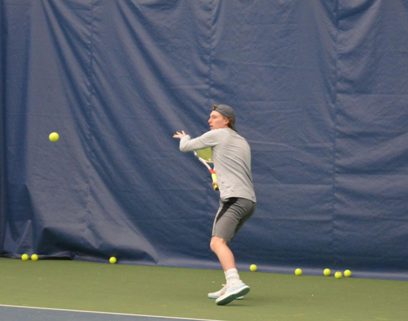 Evan Huemoeller practices at West Hills