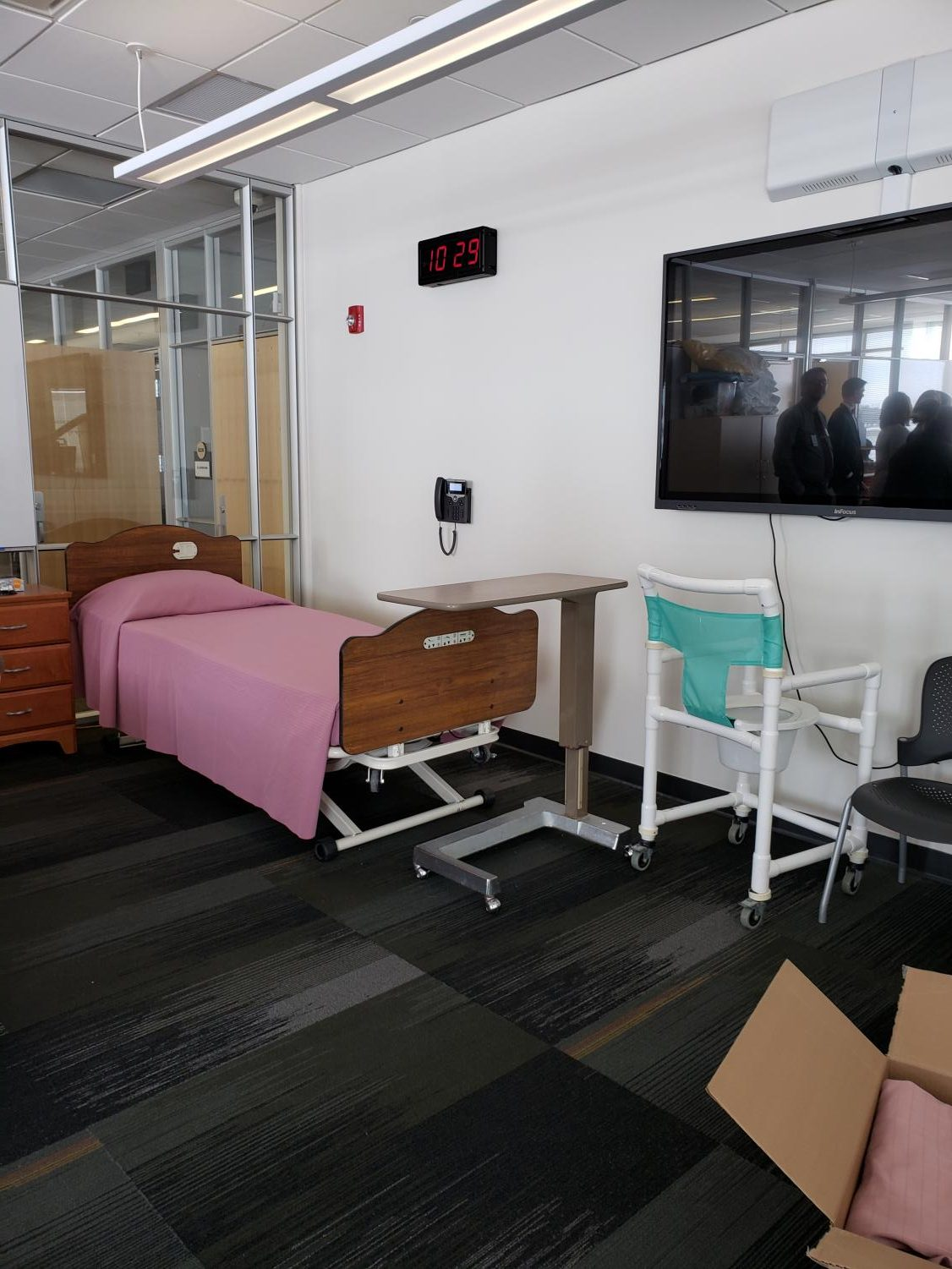 Alexandrea  High School has a health care learning lab similar to what Mayo is proposing