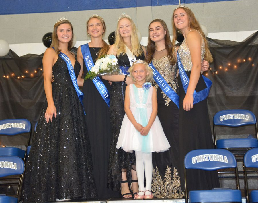 Top 5 queens and junior royalty Fiona Wagner