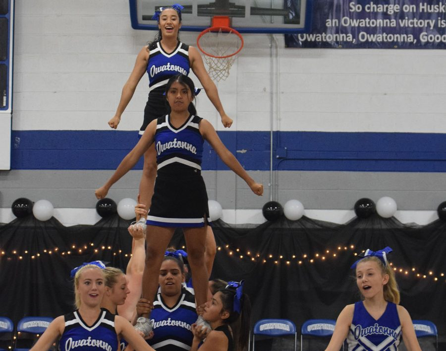OHS Cheer Squad at Homecoming pepfest