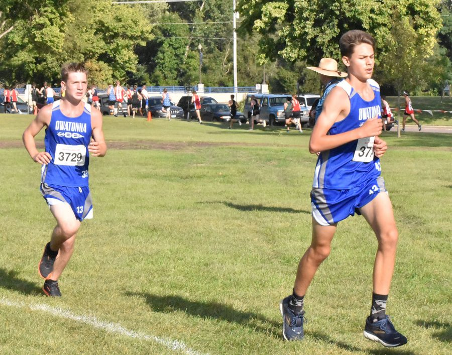 Travis Johnson and Tate Giffer running together