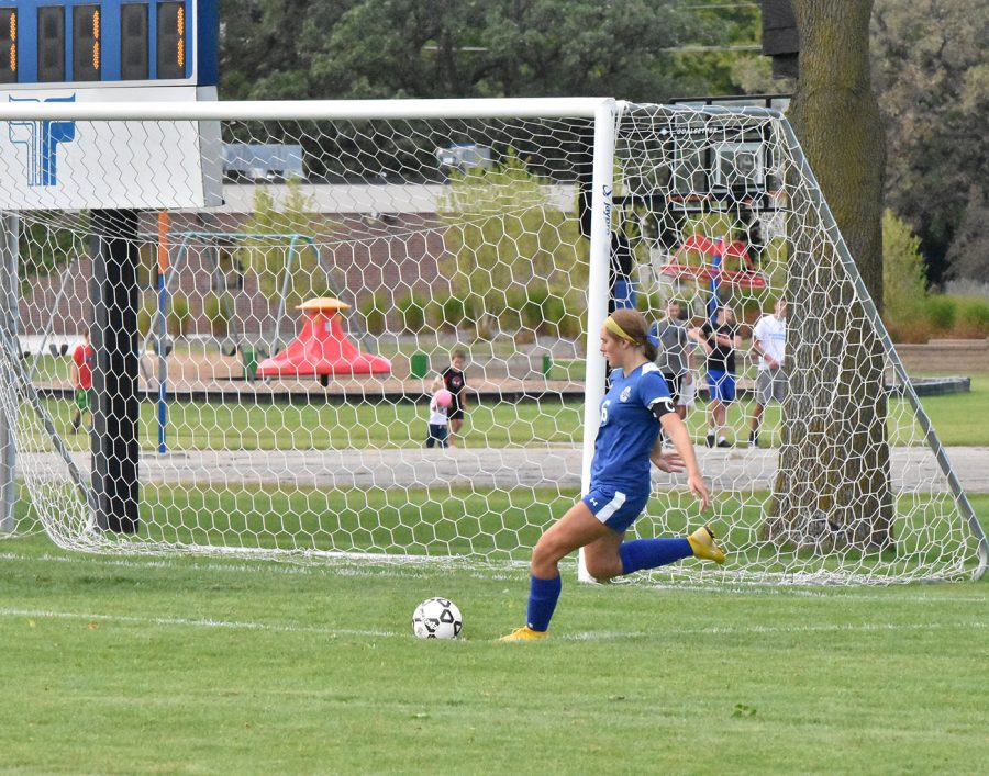 Senior Kaia Elstad taking a free kick