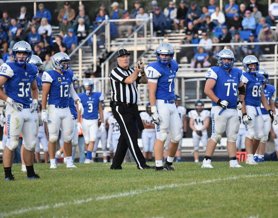 Husky defense looks to the sideline for instruction