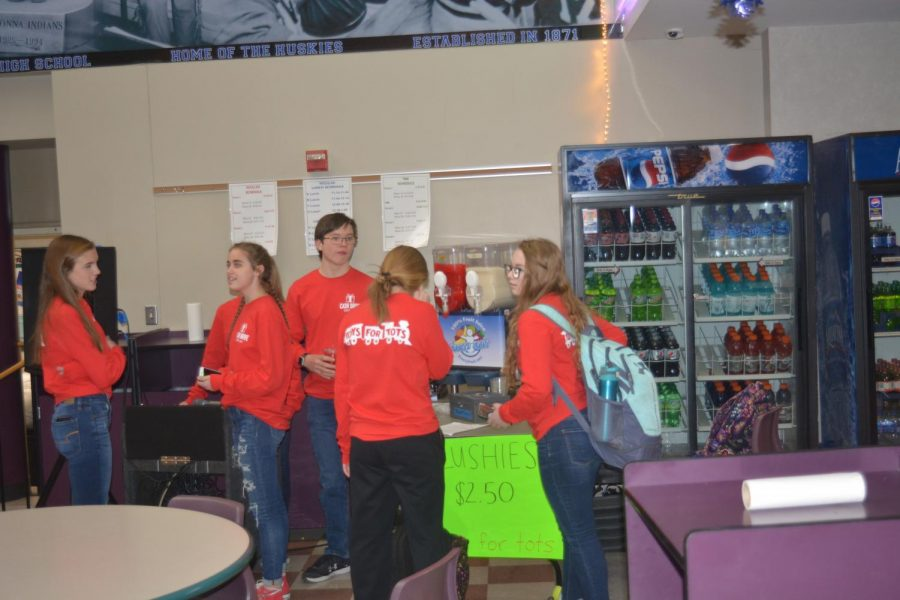 OHS Student Council sets up icee maker to raise money during lunches for the cash drive