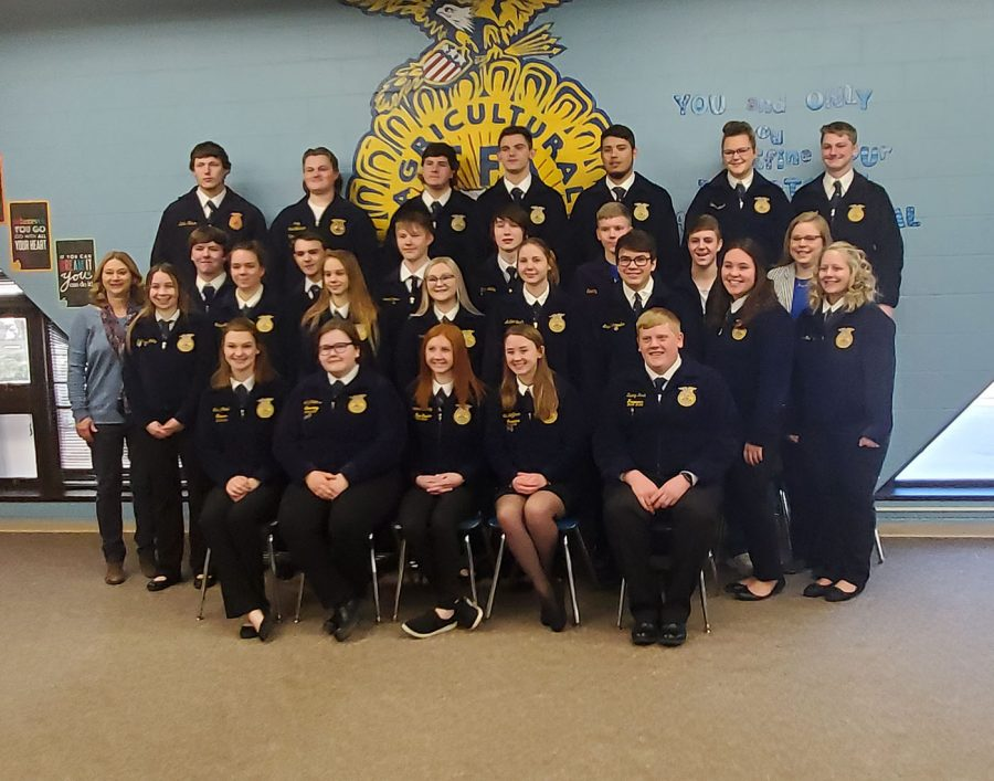 Owatonna 2019-2020 FFA chapter gathers together at the community breakfast for a group photo