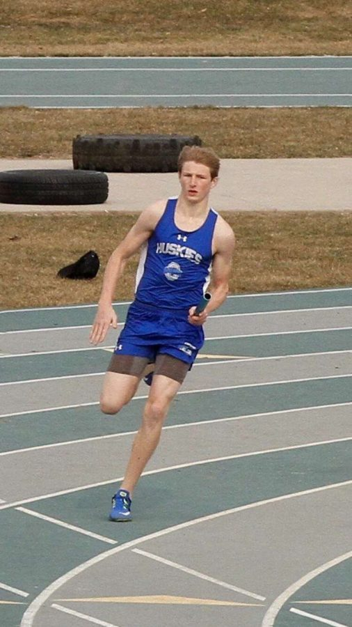 Nick+Steele+running+his+leg+in+a+relay
