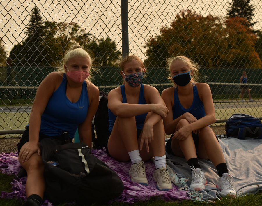 Annika Brown (Left), Grace Smith (Middle), and Kialee Kleeburger (Right) spend time together while awaiting their matches